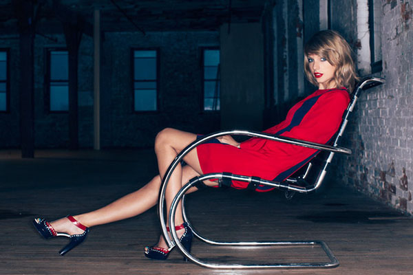 30 Minutes with Taylor Swift: On Her New Album and Nashville Favorites thumbnail
