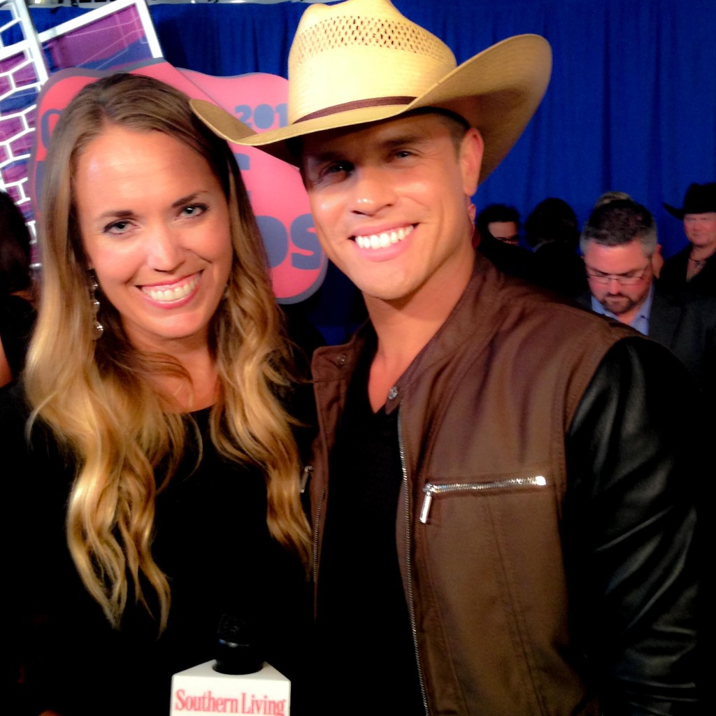 Reporter interviewing Dustin Lynch