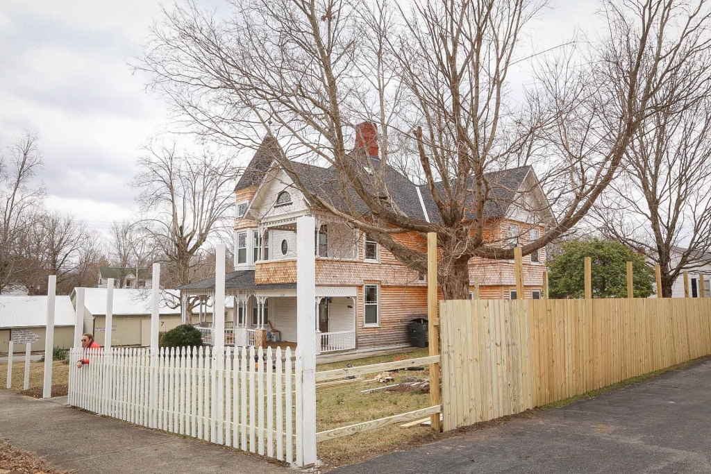 Building a Picket Fence