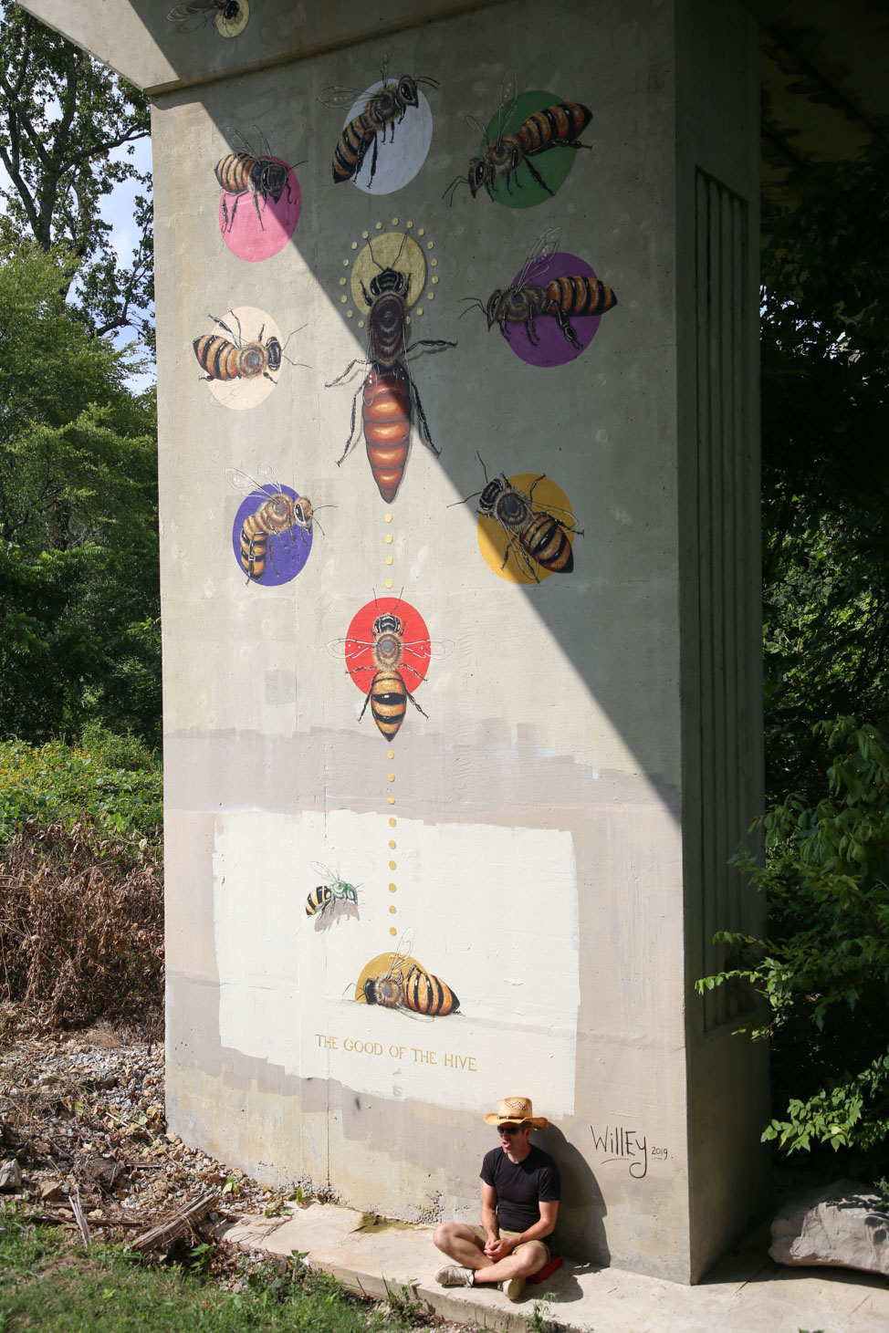 The Good of the Hive mural in Manchester, Tennessee