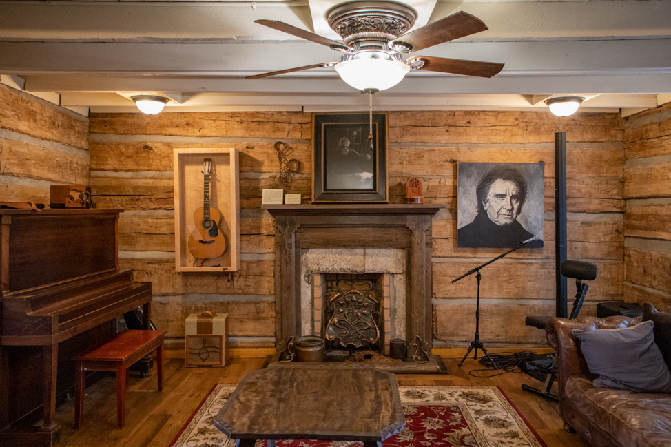Johnny Cash's Hideaway Farm and Storytellers Museum in Tennessee